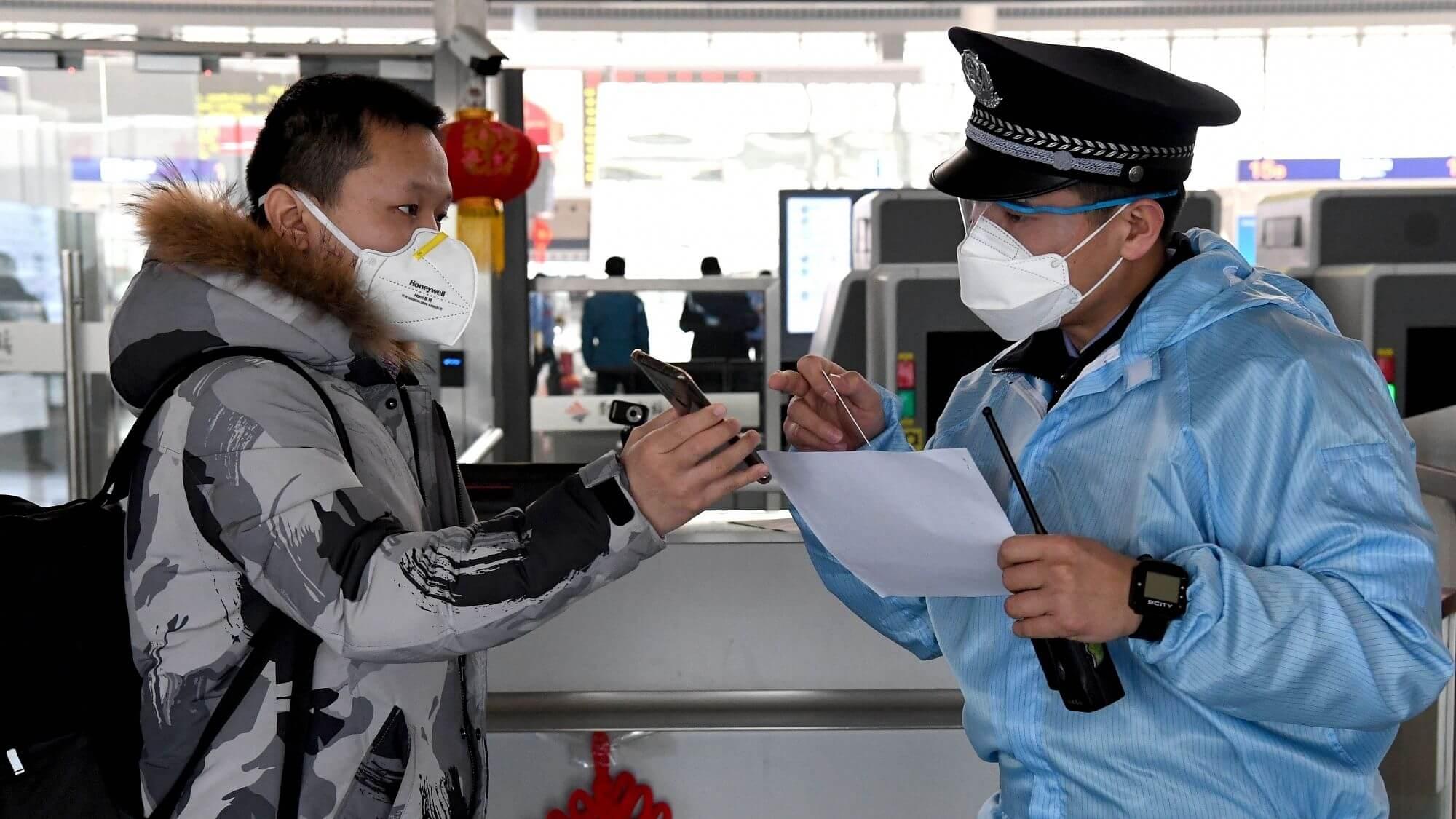 Как безопасно летать в пандемию