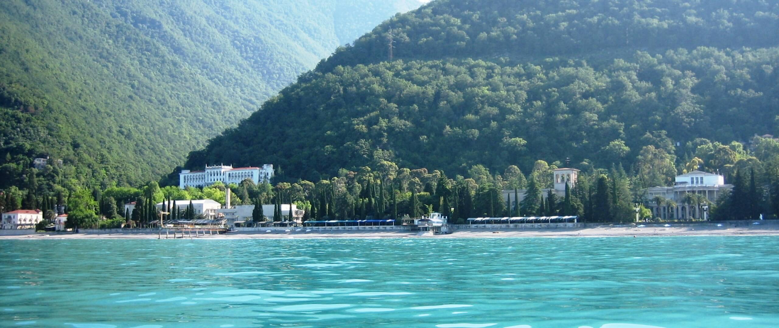 Субтропическая Абхазия: отпуск на Черноморском побережье Кавказа
