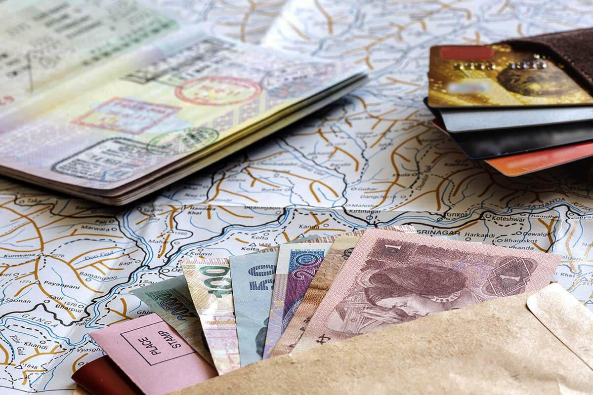 Экономим в путешествии: дешевые авиабилеты и знание языка
